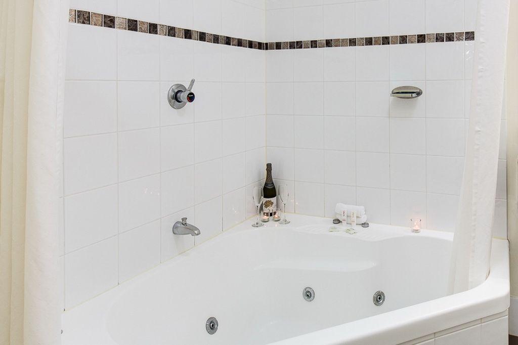 Discount Spa Baths Brisbane. decina eclipse dolce vita 15 jet spa ...