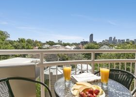 Hotel Balcony - The Wellington Apartments Hotel Brisbane