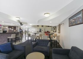Lounge Bar - The Wellington Apartments Hotel Brisbane