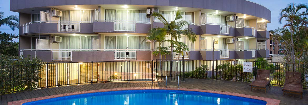 resort-brisbane-pool