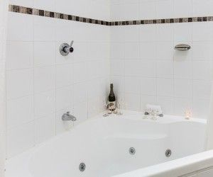 Luxurious spa bath at Brisbane accommodation